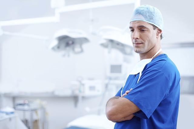 Diferencia entre Médico y Doctor