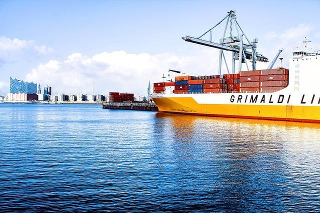 Diferencia entre Comercio Internacional y Comercio Exterior